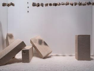 Lis Marina – exposição Mundo Suspenso, nadeCurators